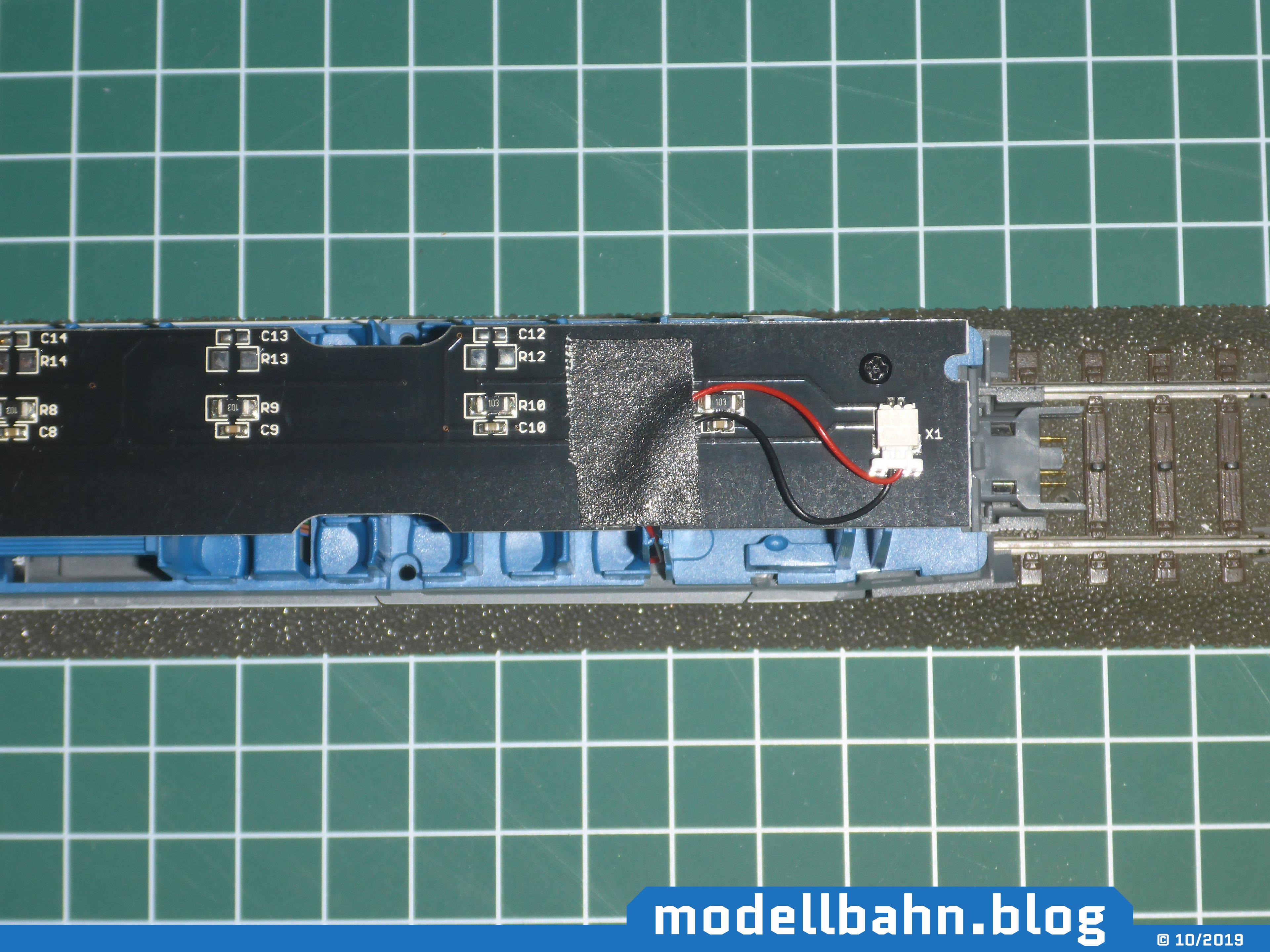 Piko 58593 ICE4 Ergänzungswagen mit angeschlossener und befestigter Beleuchtungsplatine 56290